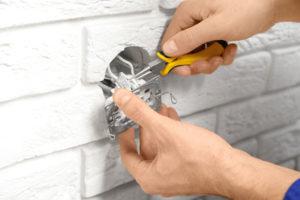Mise aux Normes électrique - Remplacement de prise électrique - dépannage électrique